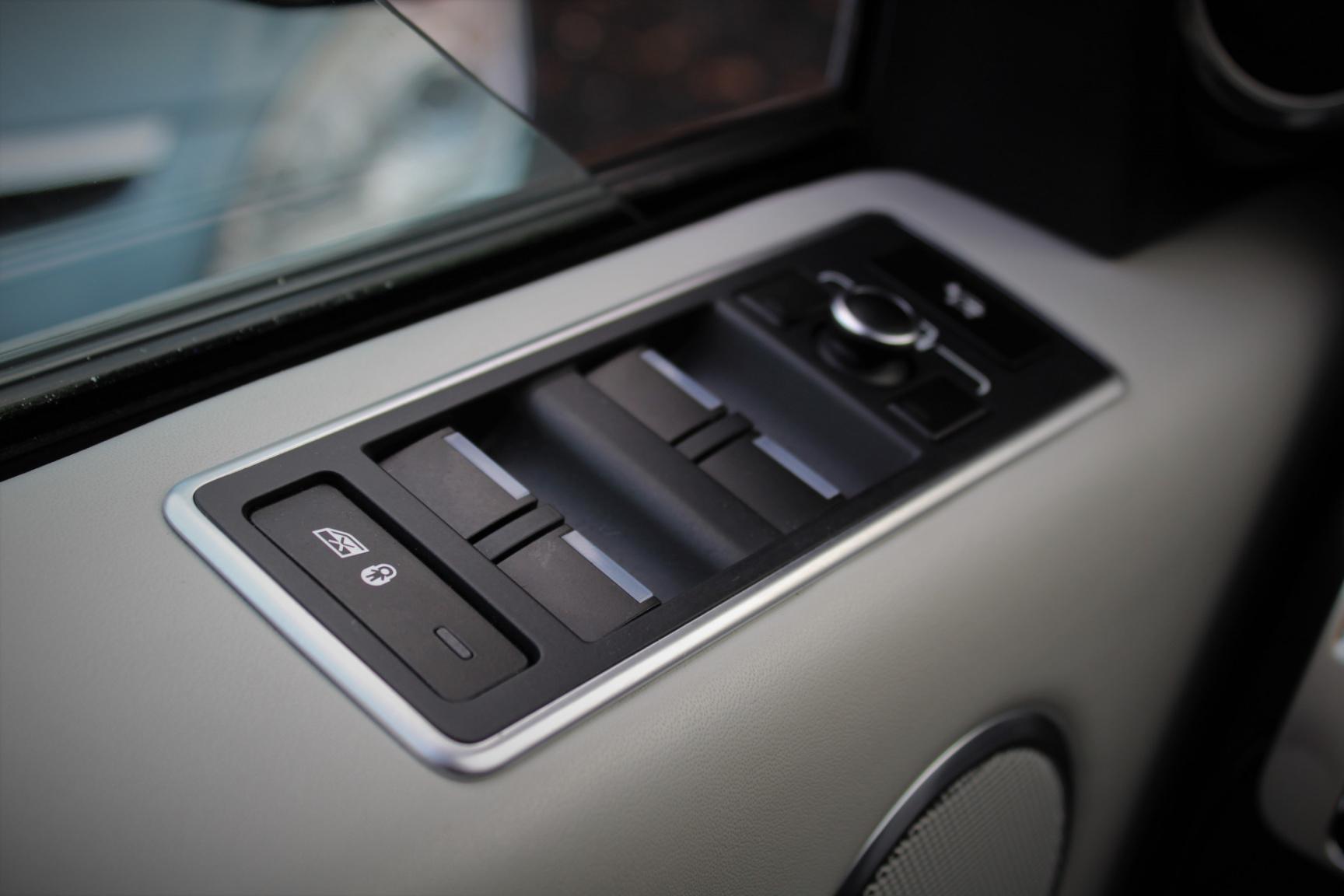 Land Rover-Range Rover-53