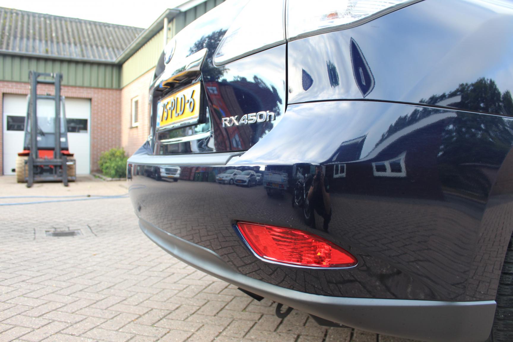 Lexus-RX-18