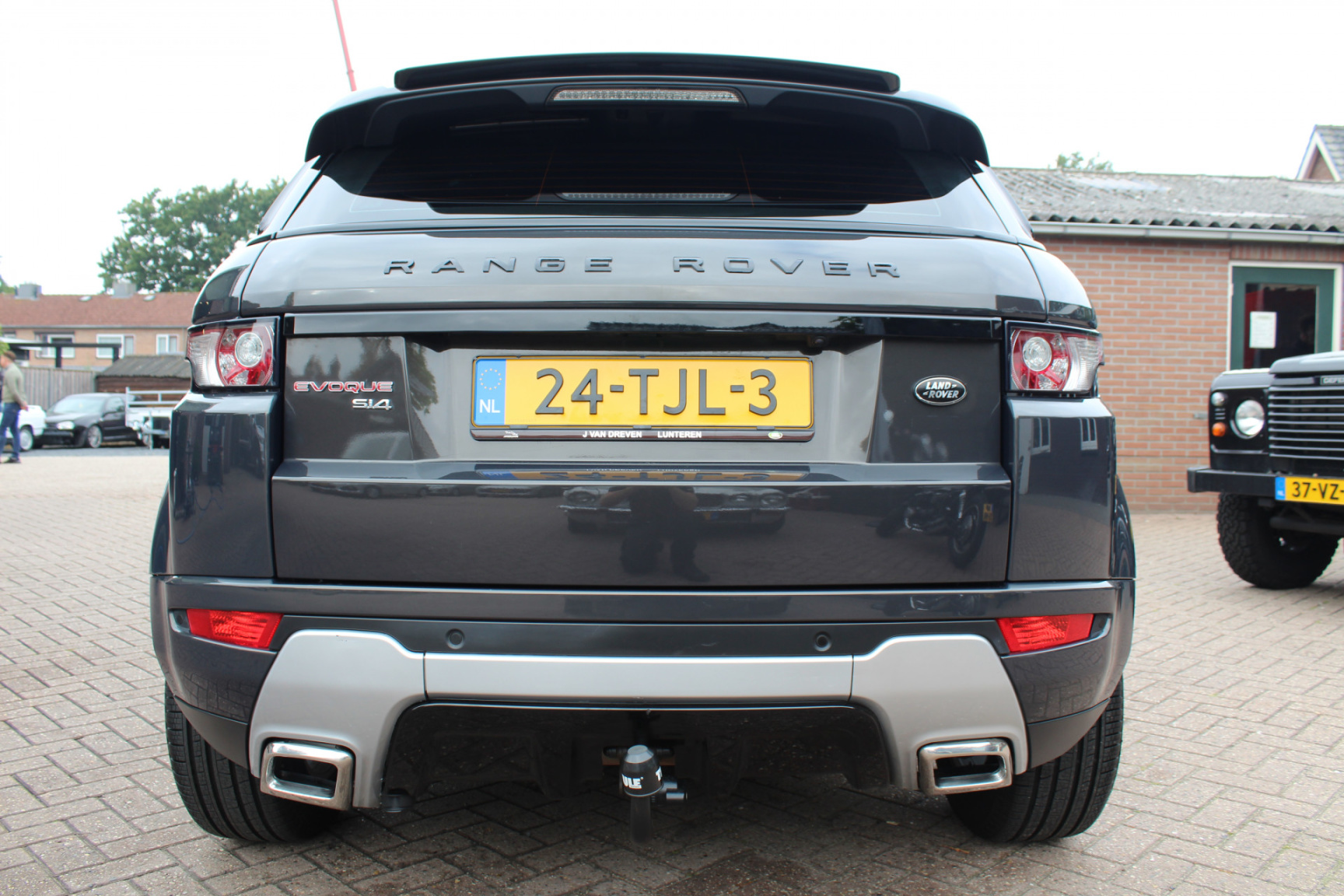 Land Rover-Range Rover Evoque-23