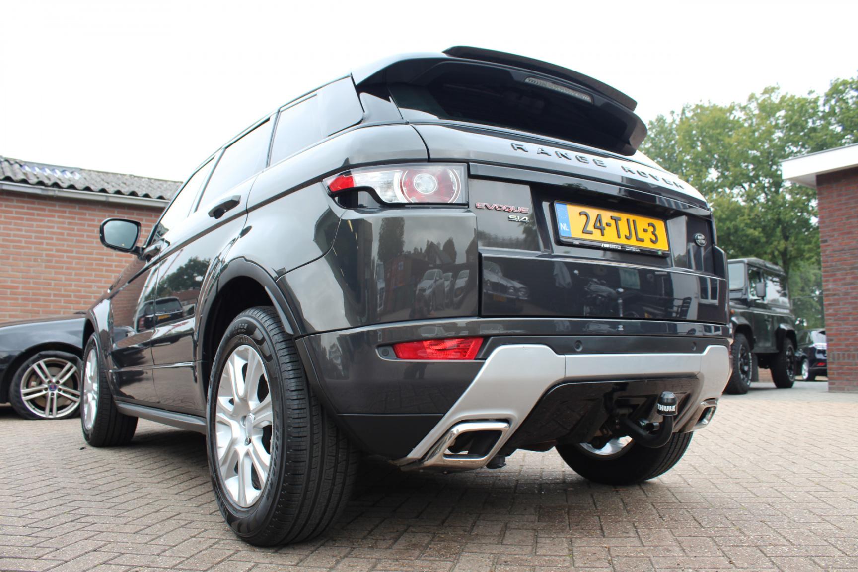 Land Rover-Range Rover Evoque-26
