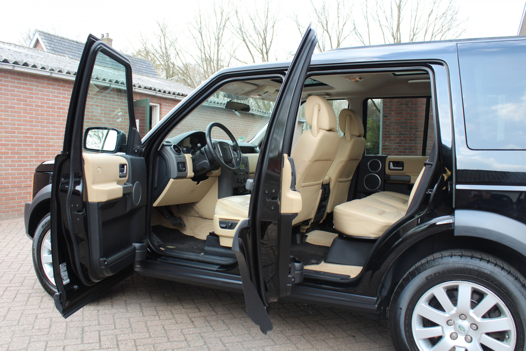Land Rover-Discovery-33