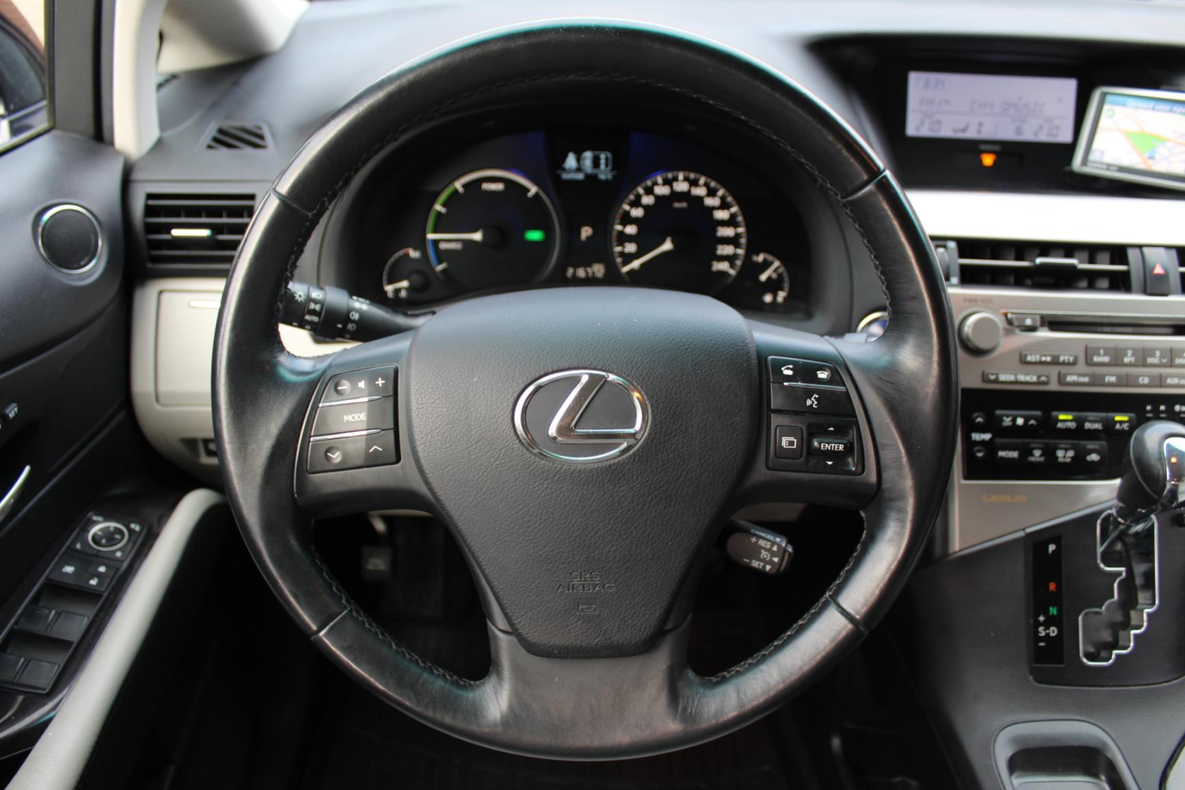 Lexus-RX-9