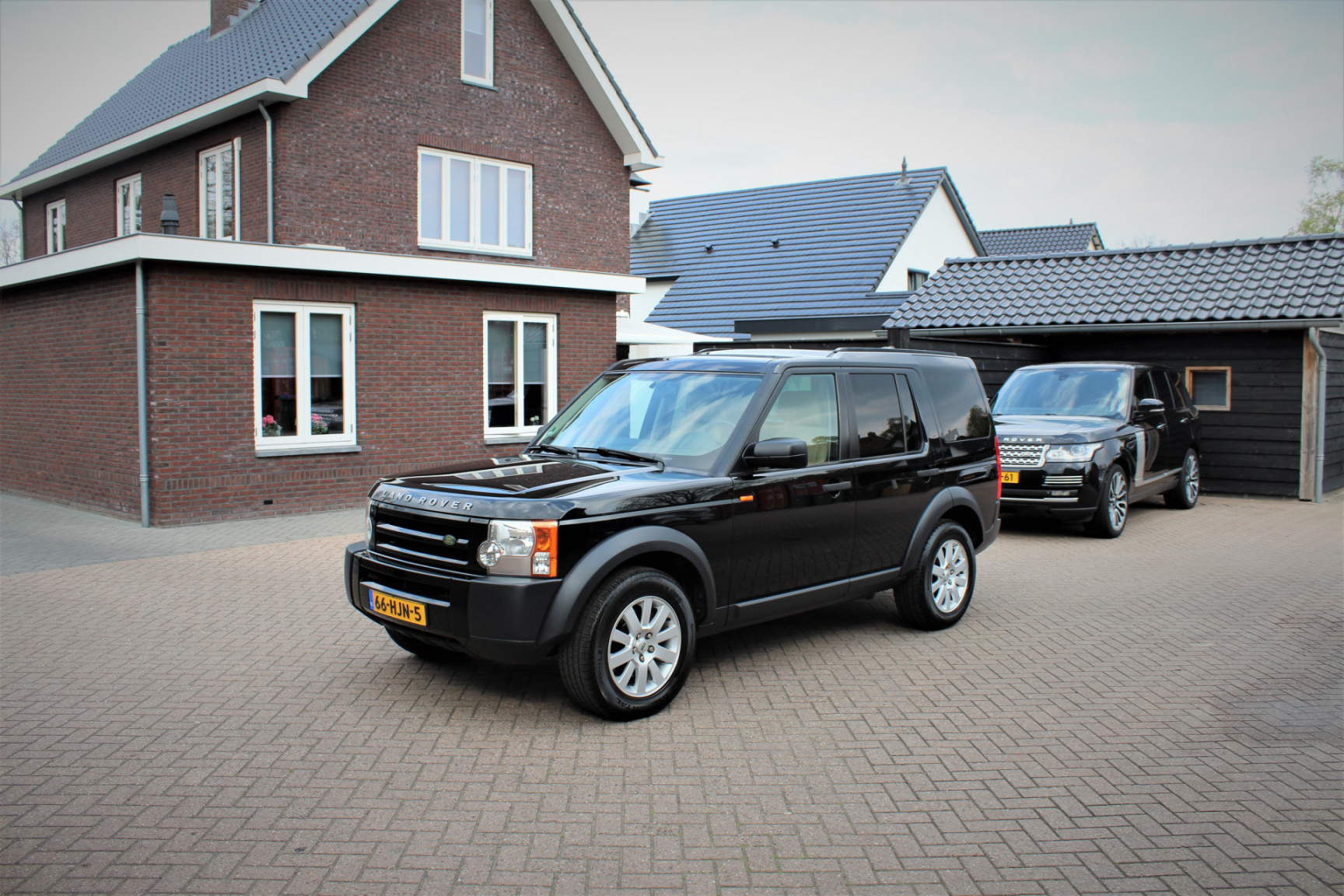 Land Rover-Discovery-13